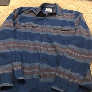 LIKE NEW LUCKY BRAND BUTTON UP